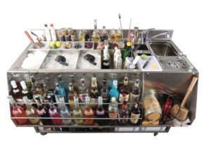 Cocktail station Carmen - versione completa di accessori in modalità di lavoro
